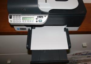 Impresora Inkjet imprimiendo tela